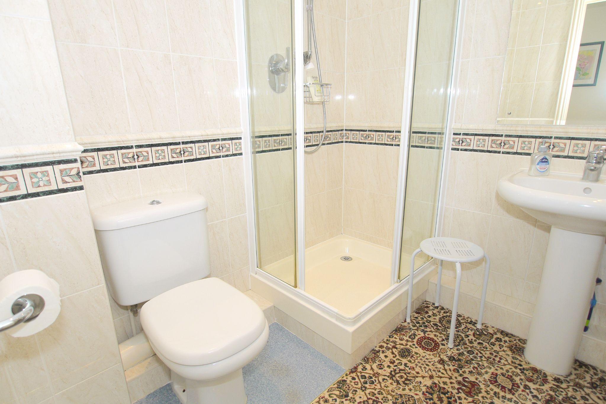 2 bedroom ground floor For Sale in Sevenoaks - Photograph 11