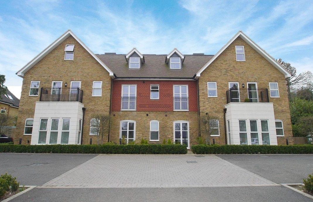 2 bedroom apartment Sale Agreed in Sevenoaks - Photograph 1