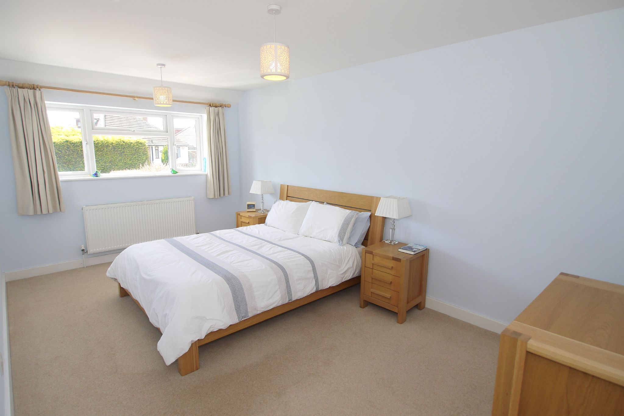 4 bedroom detached house Sale Agreed in Sevenoaks - Photograph 5