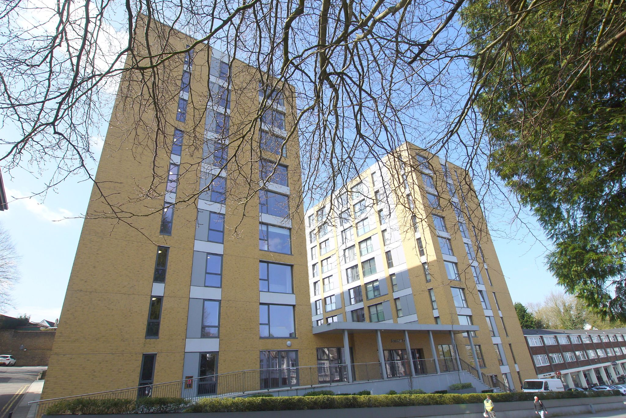 2 bedroom apartment For Sale in Sevenoaks - Photograph 1