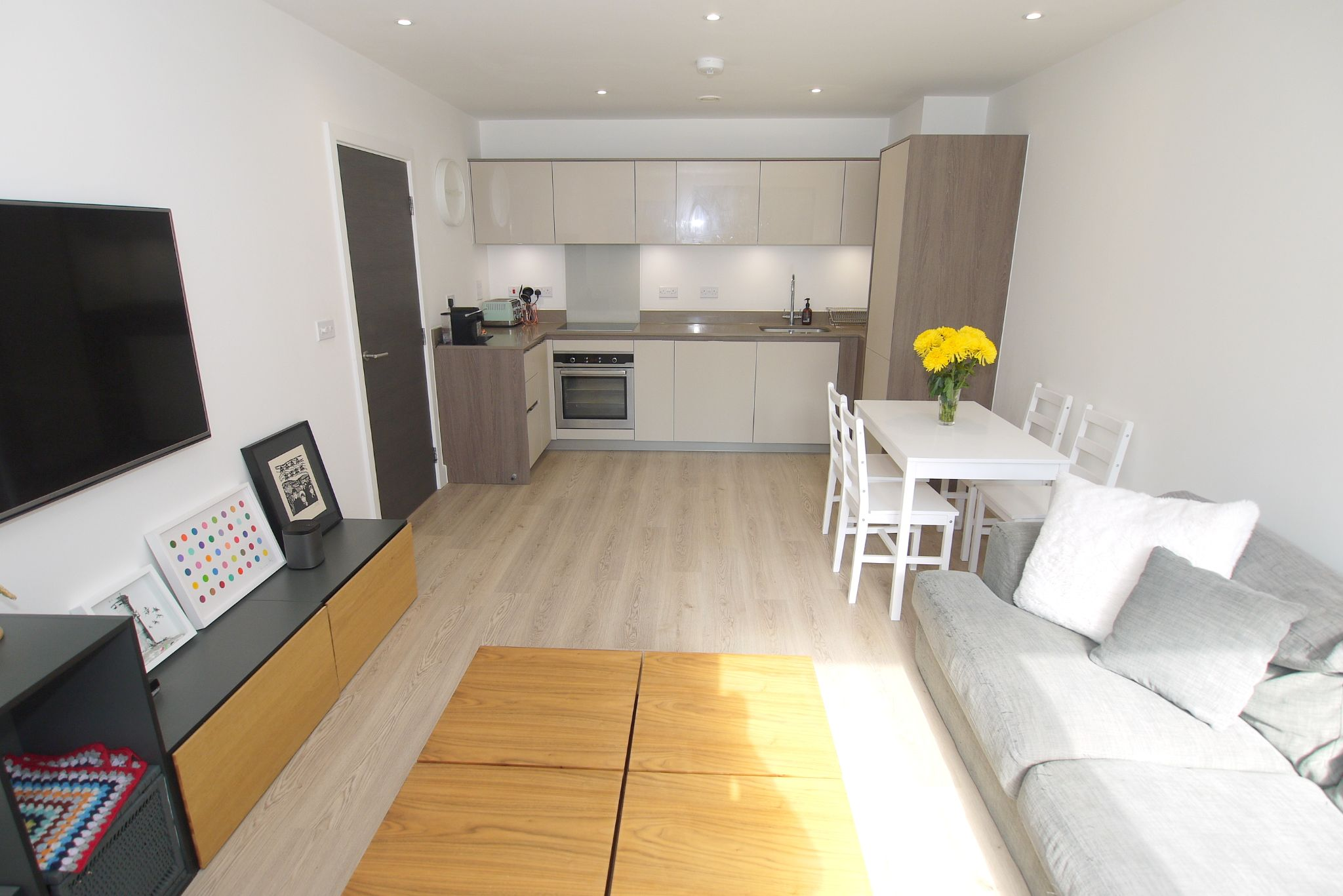 2 bedroom apartment For Sale in Sevenoaks - Photograph 4
