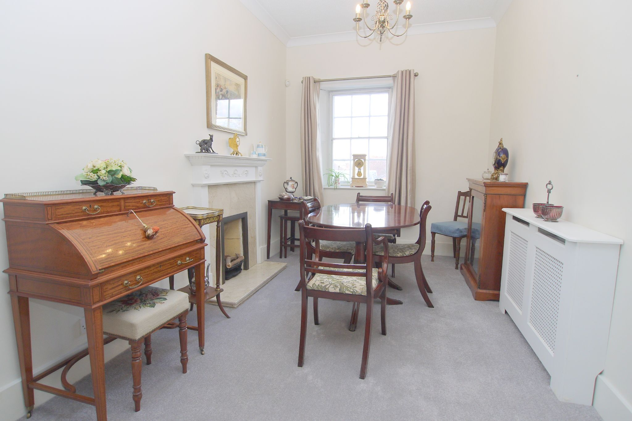 3 bedroom apartment For Sale in Sevenoaks - Property photograph