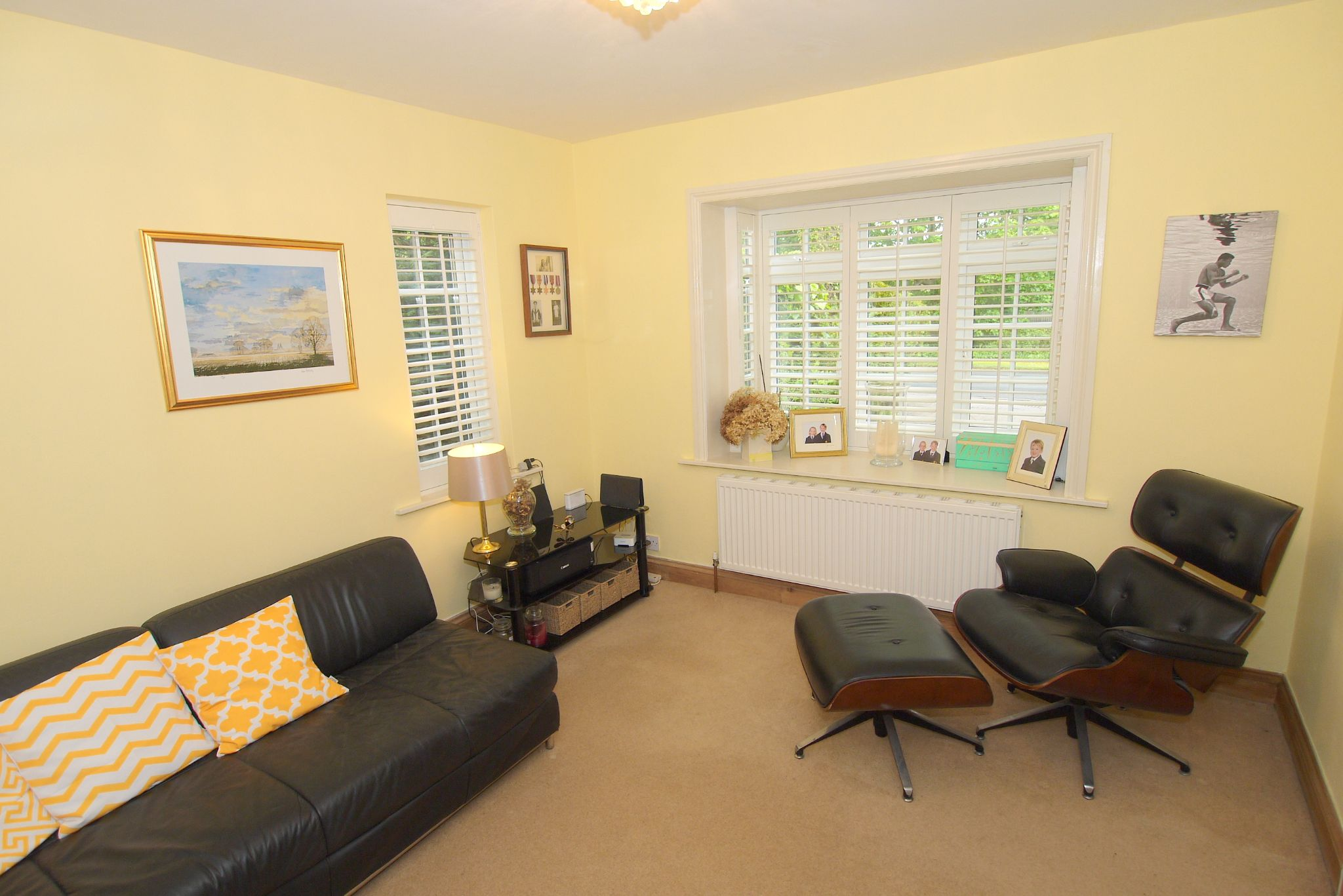 4 bedroom detached house Sale Agreed in Tonbridge - Photograph 7