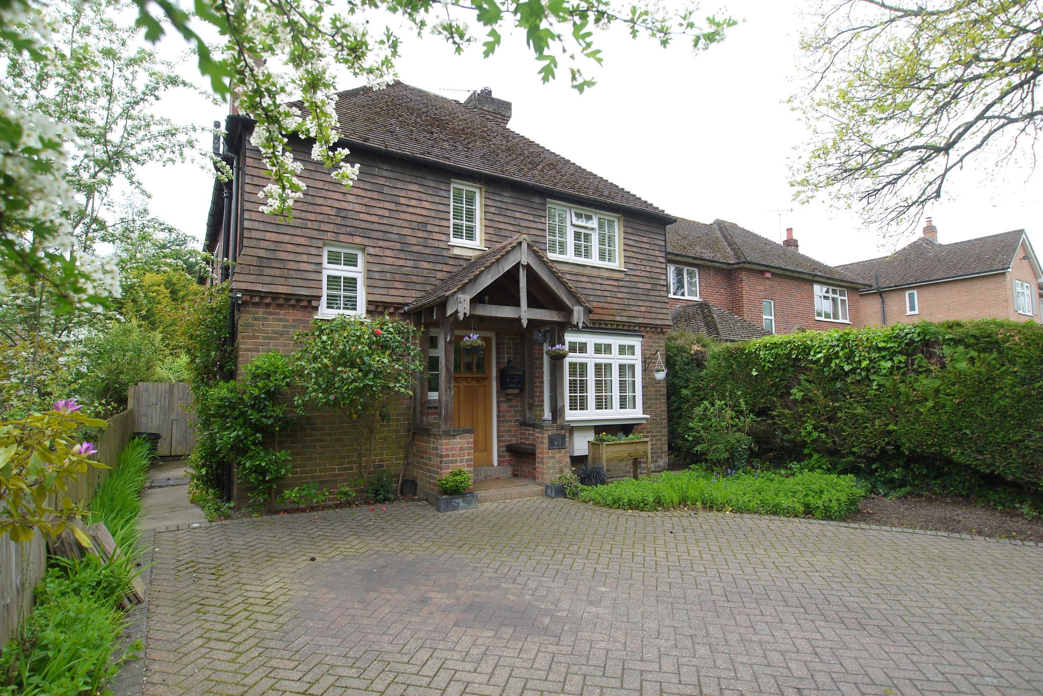 4 bedroom detached house Sale Agreed in Tonbridge - Photograph 1