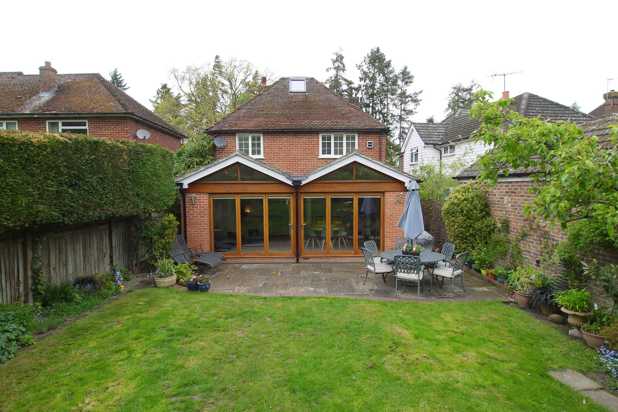4 bedroom detached house Sale Agreed in Tonbridge - Photograph 15