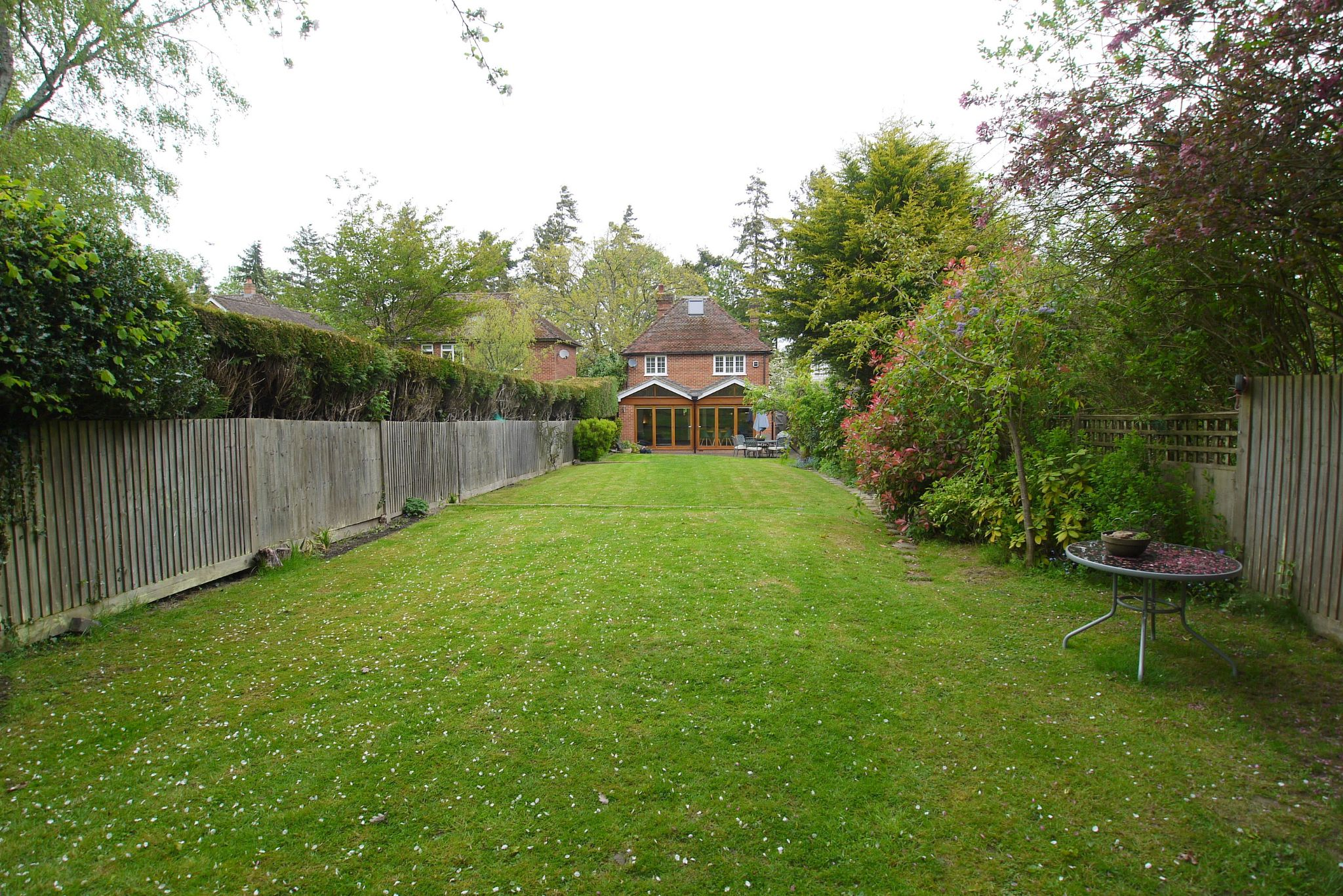 4 bedroom detached house Sale Agreed in Tonbridge - Photograph 14