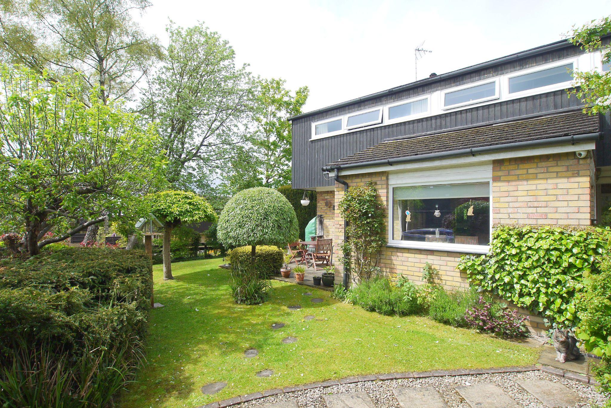 3 bedroom semi-detached house Sold in Sevenoaks - Photograph 1