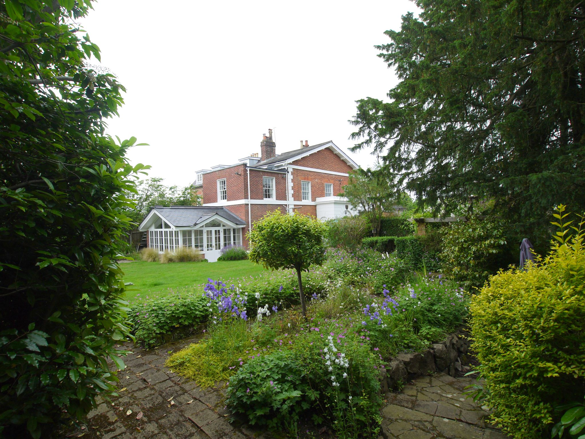 4 bedroom detached house For Sale in Sevenoaks - Photograph 21