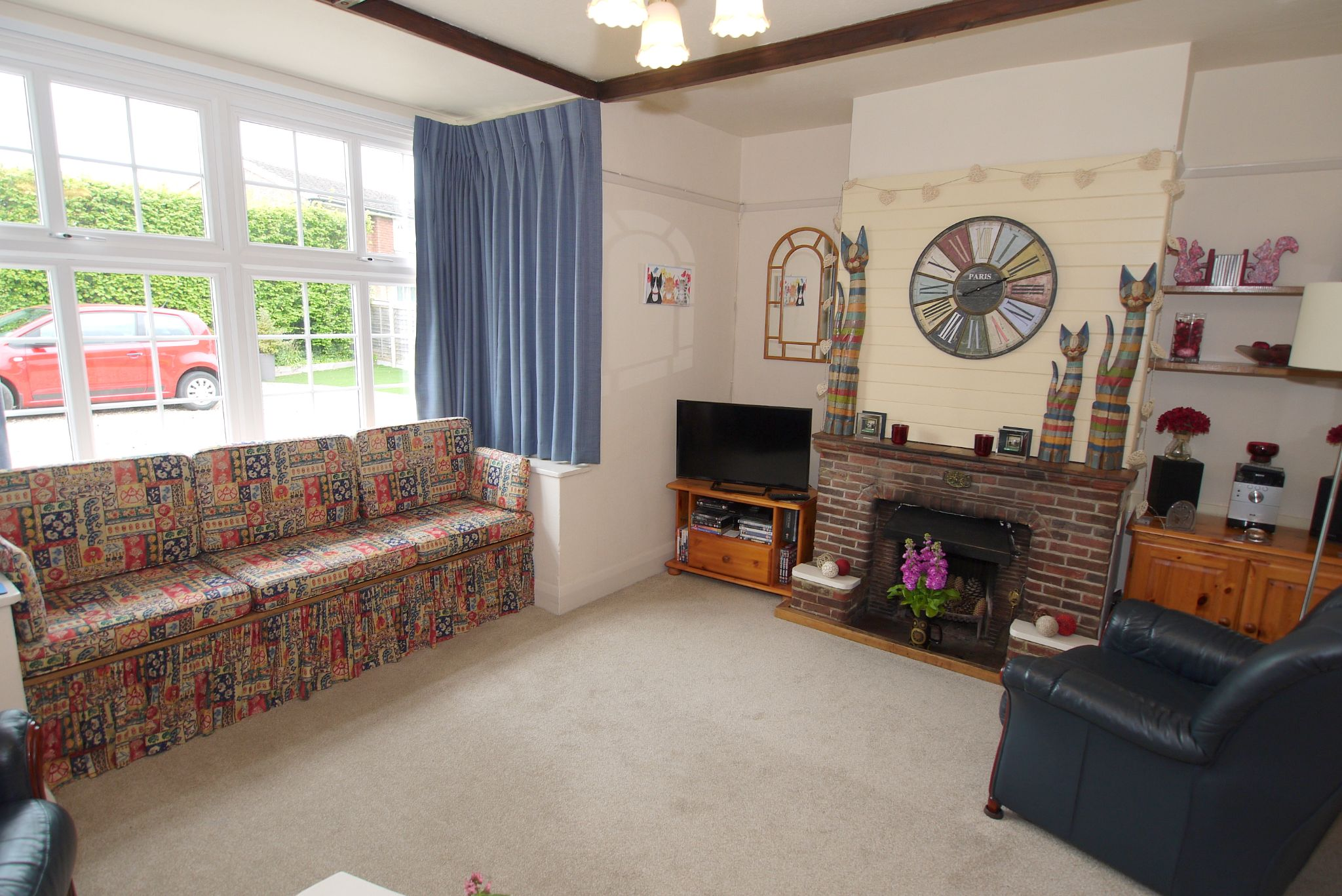 5 bedroom detached house Sale Agreed in Sevenoaks - Photograph 2