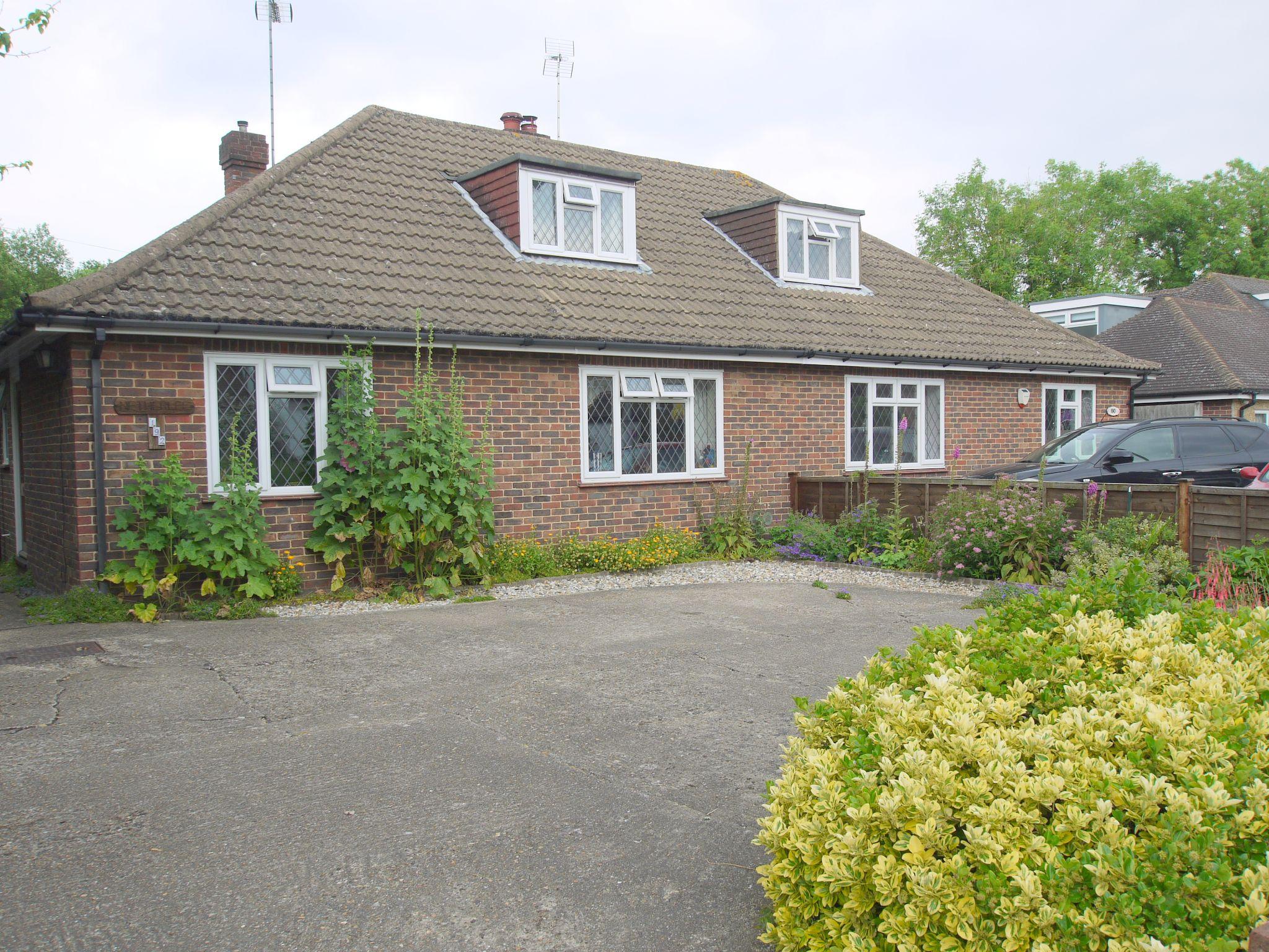2 bedroom semi-detached bungalow Sold in Sevenoaks - Photograph 1
