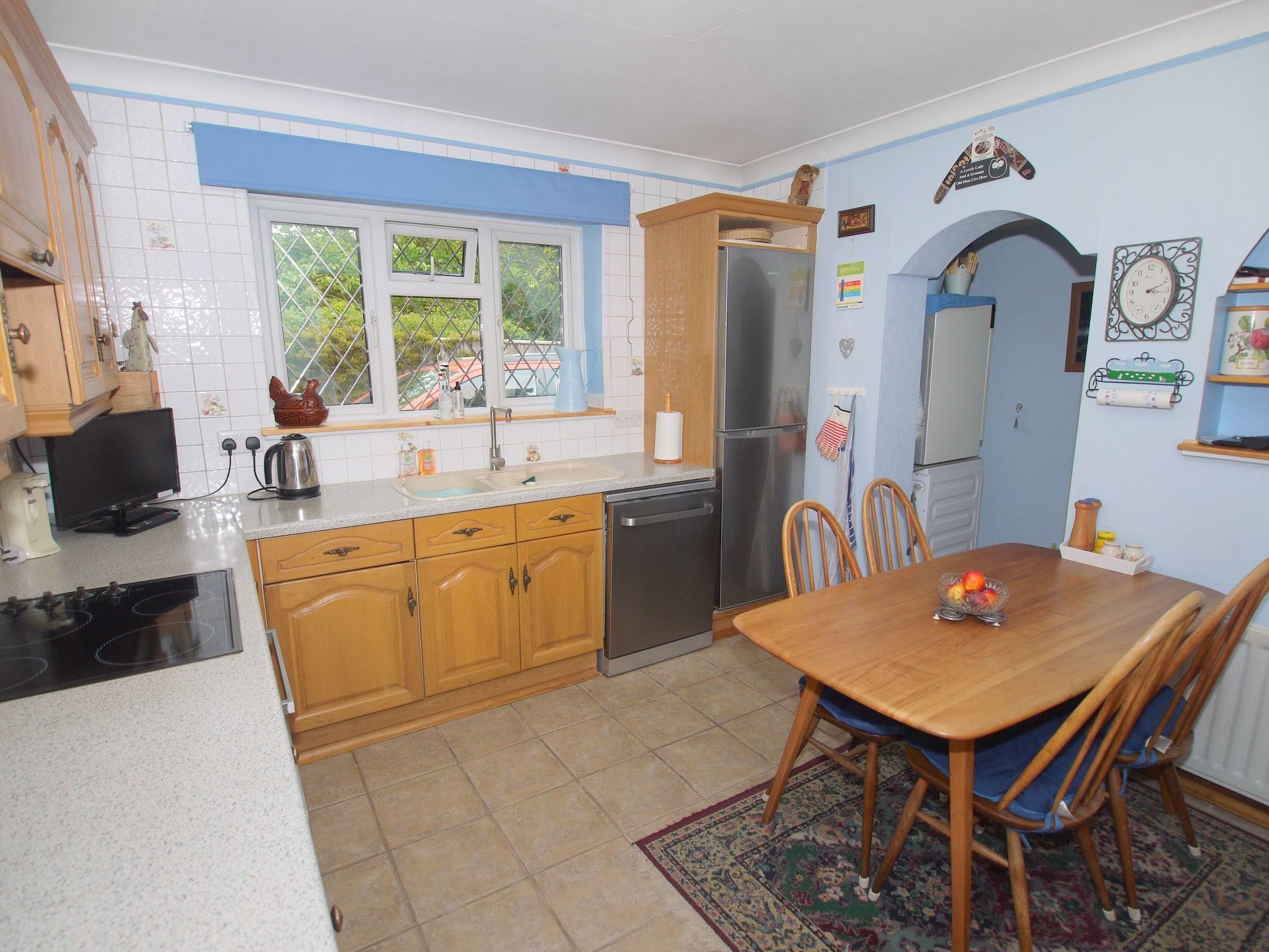 2 bedroom semi-detached bungalow Sale Agreed in Sevenoaks - Photograph 5