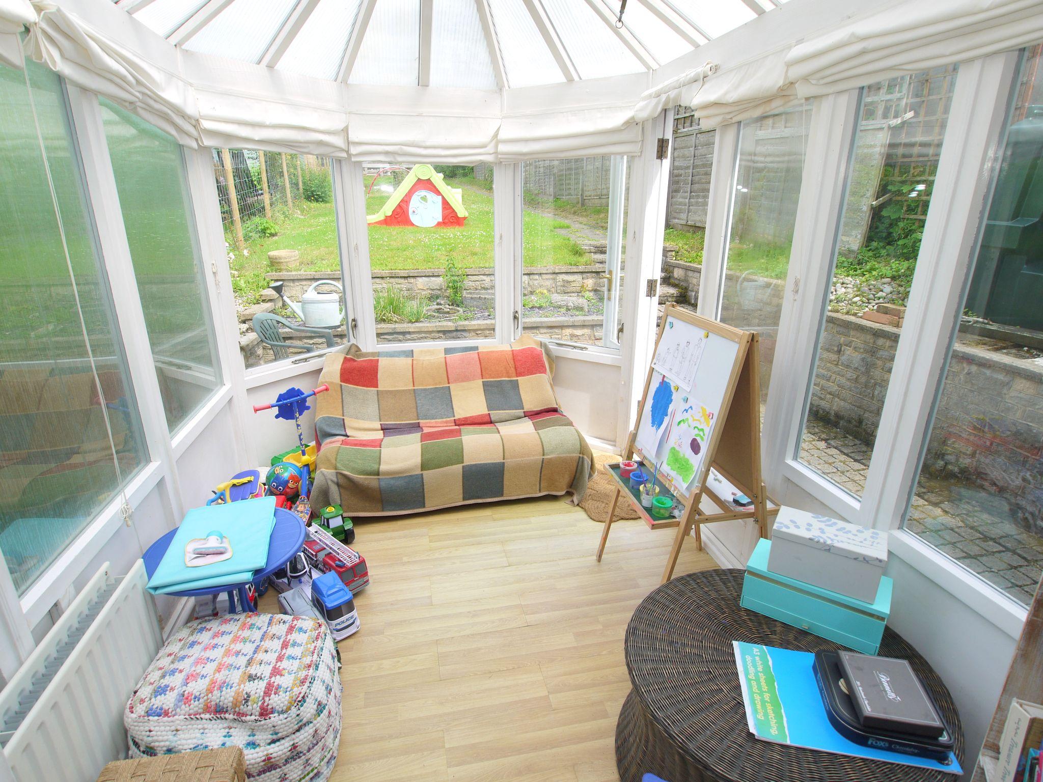 3 bedroom semi-detached house For Sale in Sevenoaks - Photograph 14