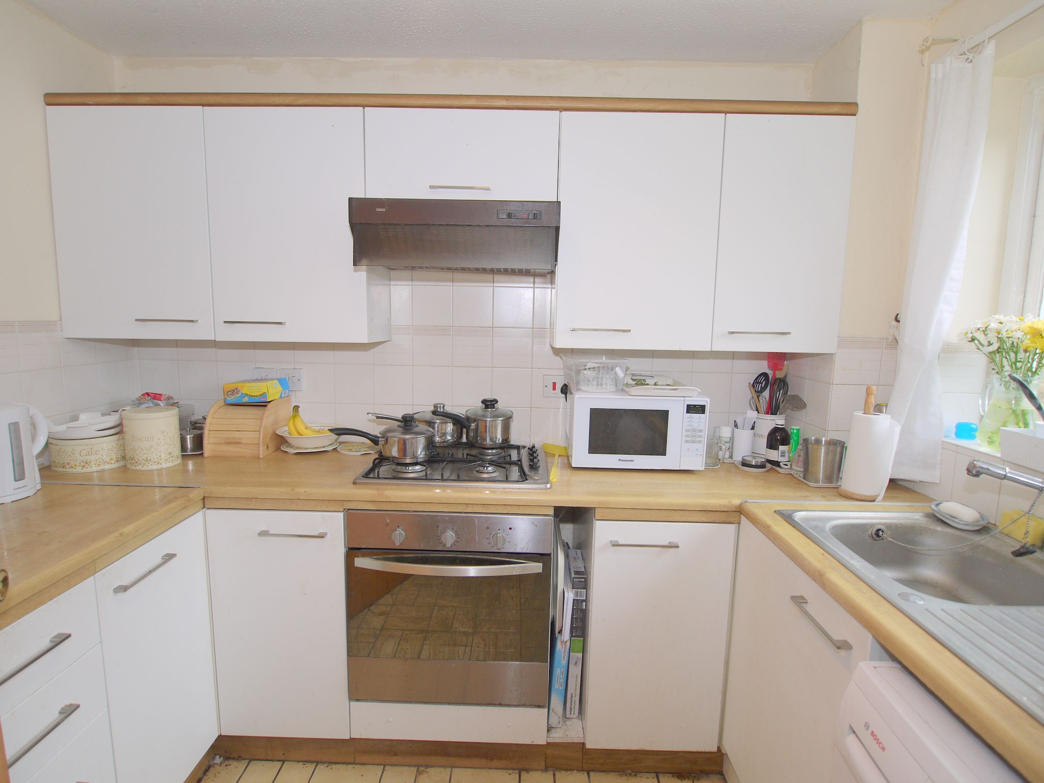 2 bedroom mid terraced house Sale Agreed in Sevenoaks - Photograph 4