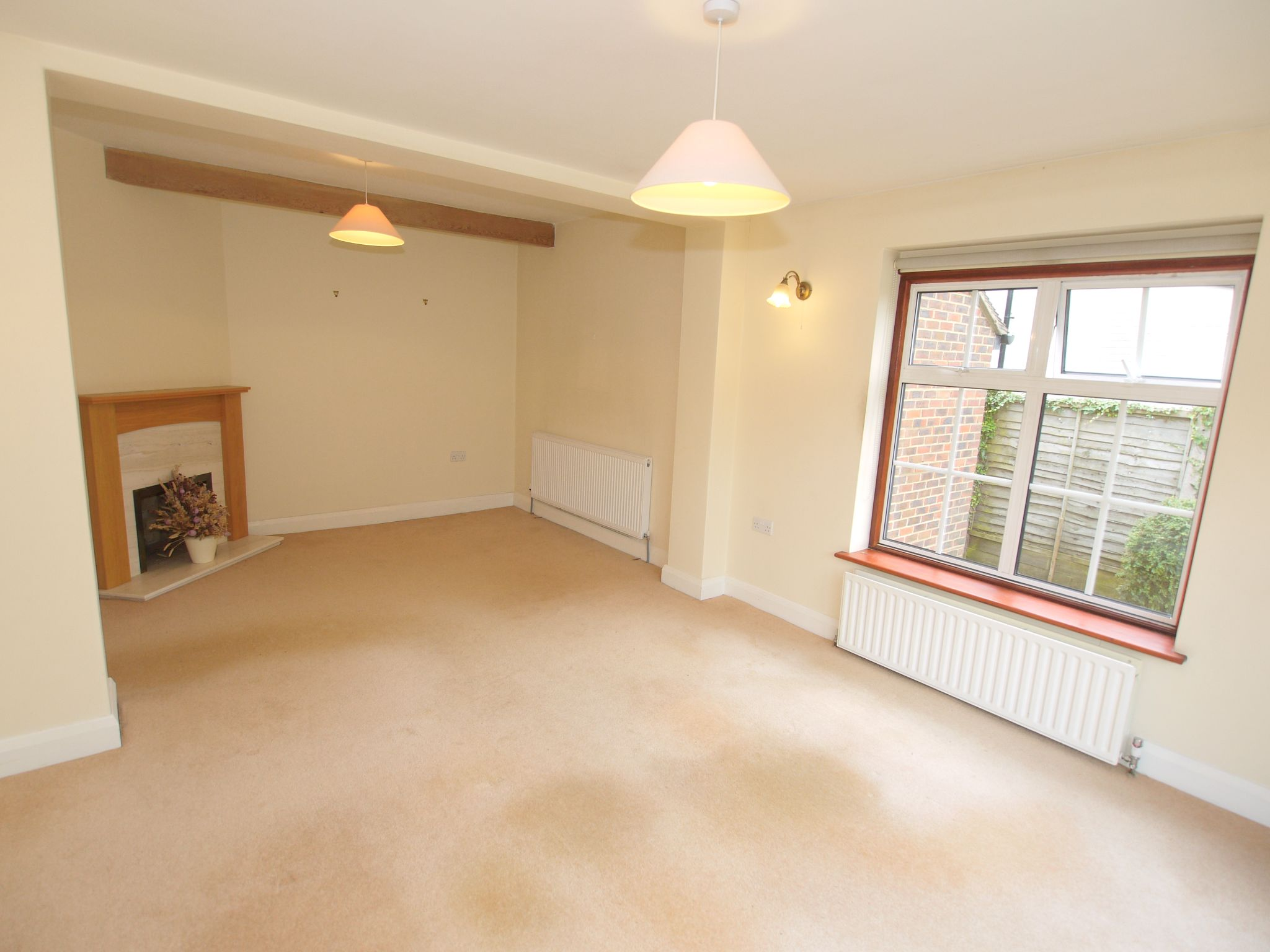 3 bedroom detached house Sale Agreed in Sevenoaks - Photograph 5