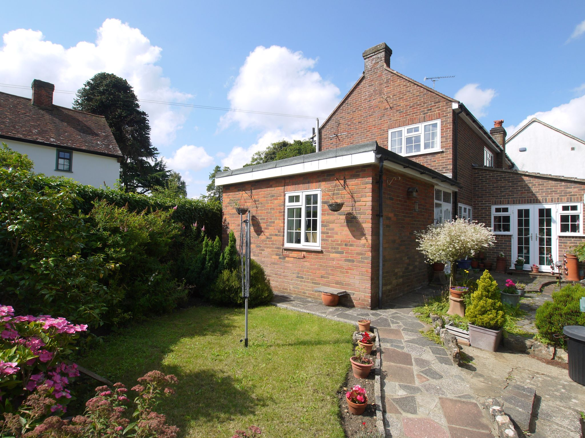 3 bedroom semi-detached house Sale Agreed in Sevenoaks - Photograph 11
