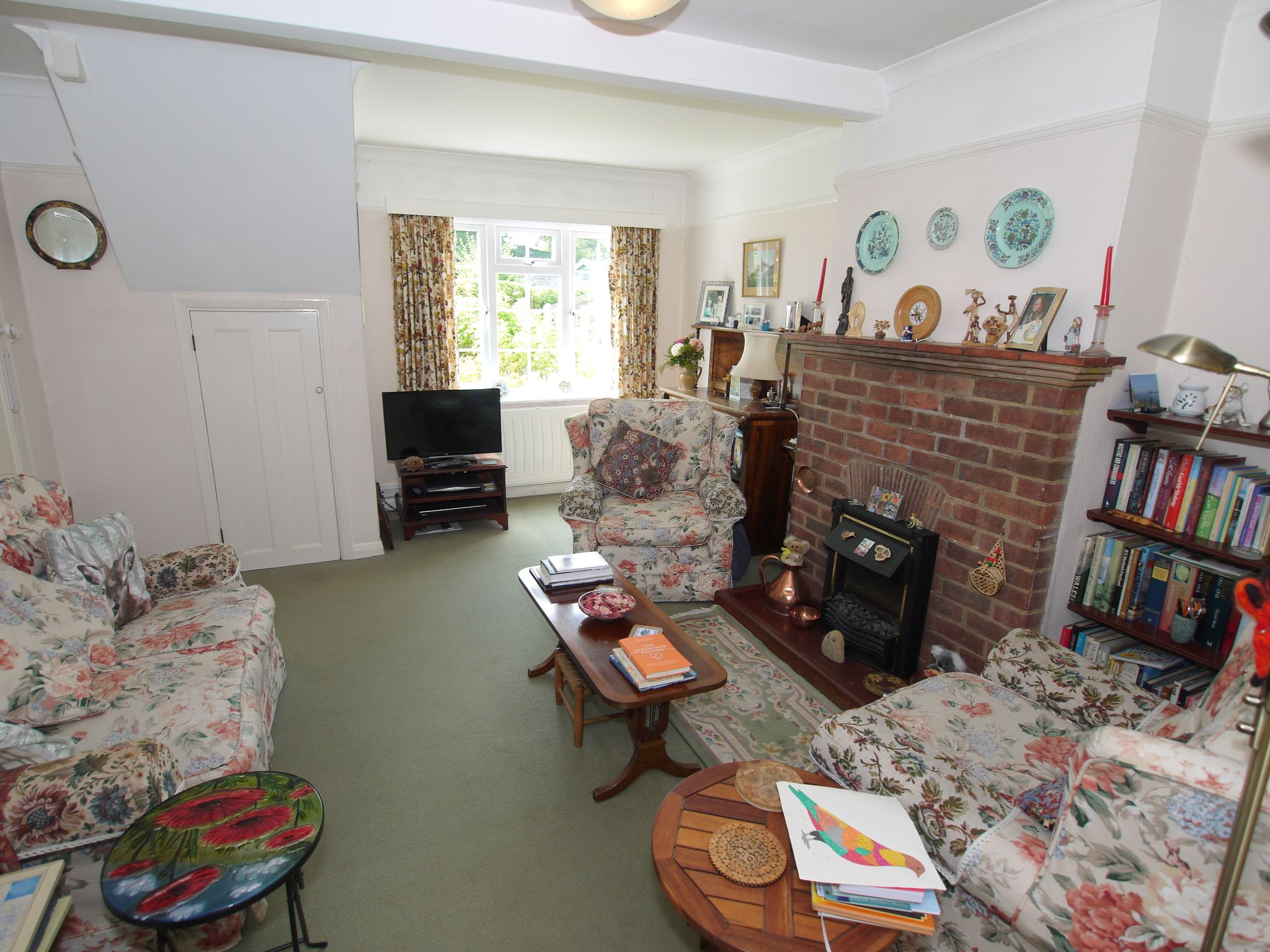 3 bedroom semi-detached house Sale Agreed in Sevenoaks - Photograph 4