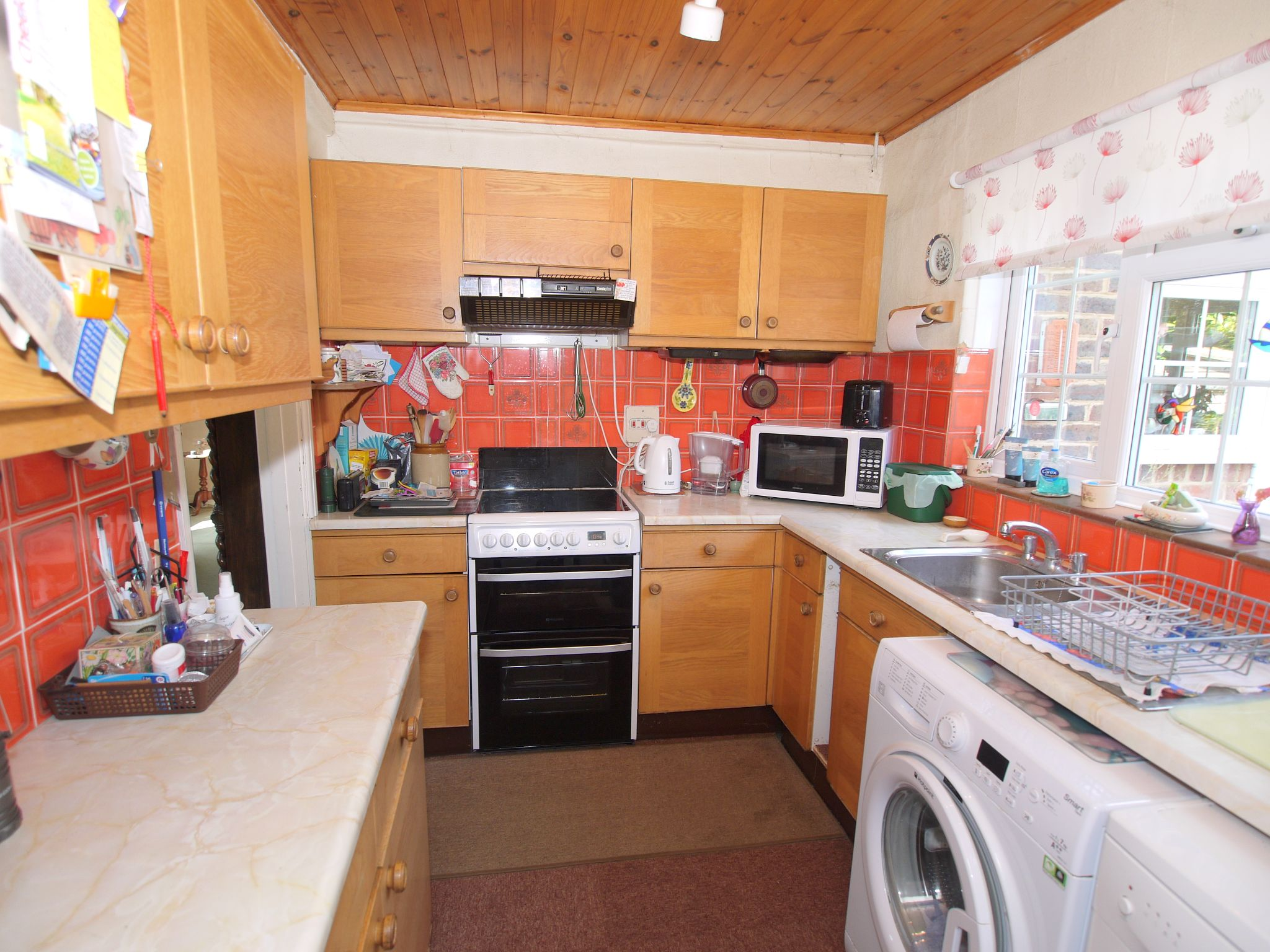 3 bedroom semi-detached house Sale Agreed in Sevenoaks - Photograph 5