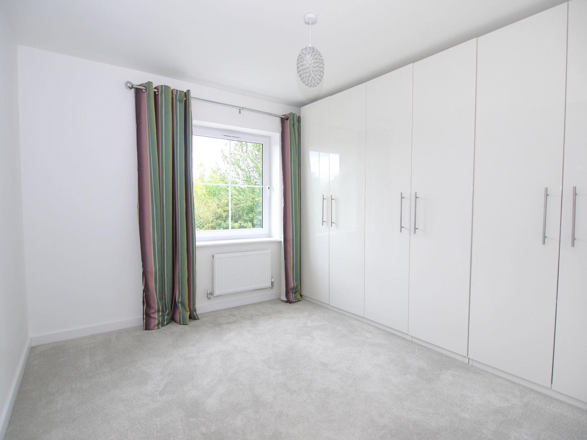 4 bedroom mid terraced house For Sale in Sevenoaks - Photograph 7