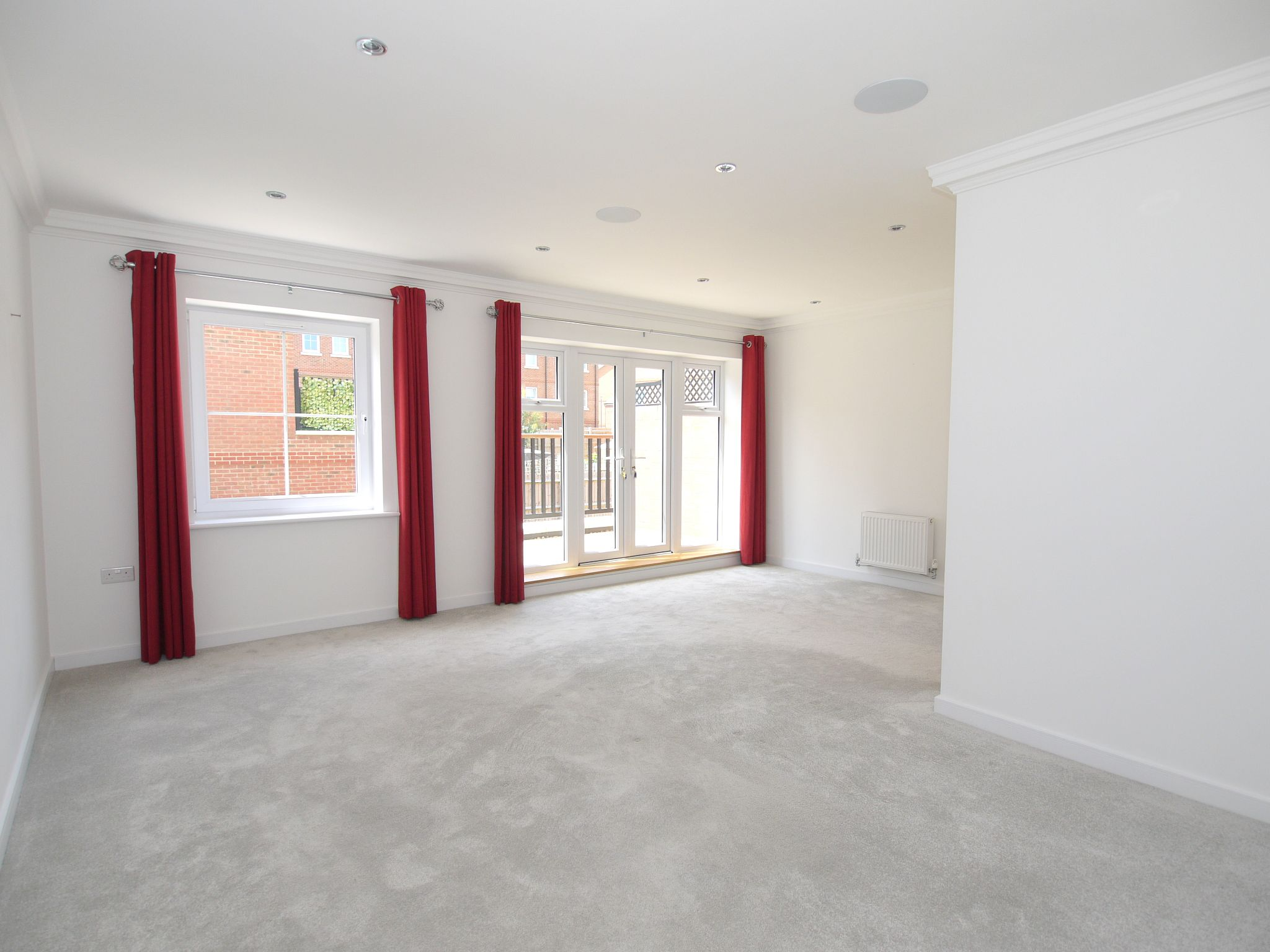 4 bedroom mid terraced house For Sale in Sevenoaks - Photograph 4