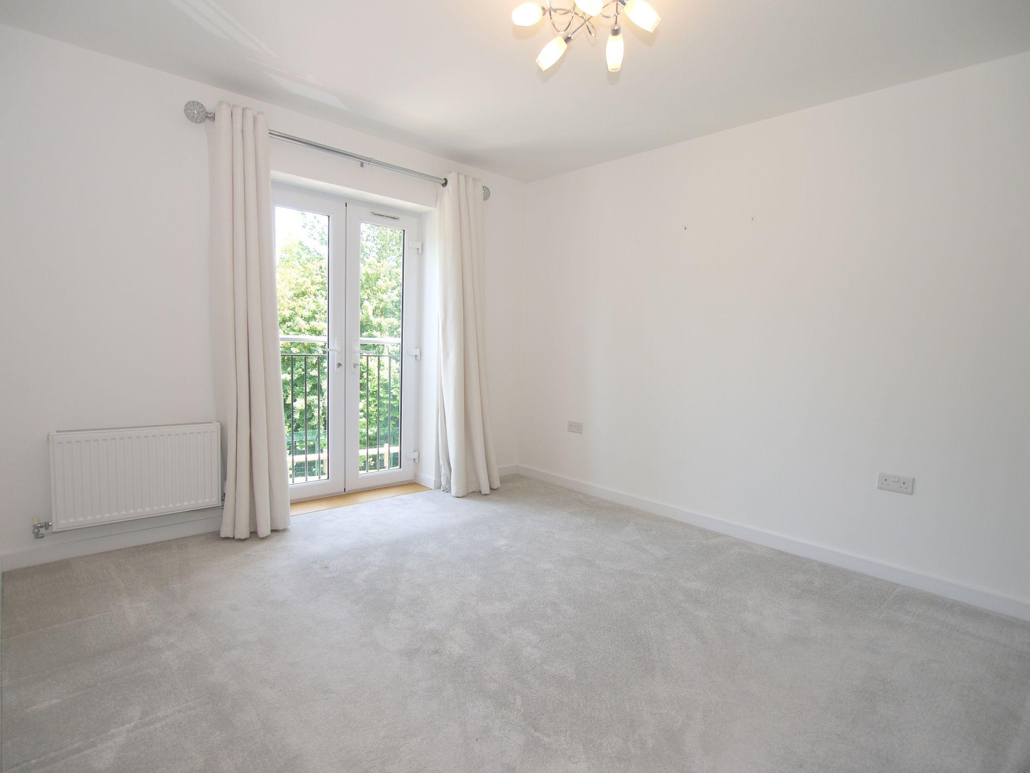 4 bedroom mid terraced house For Sale in Sevenoaks - Photograph 5