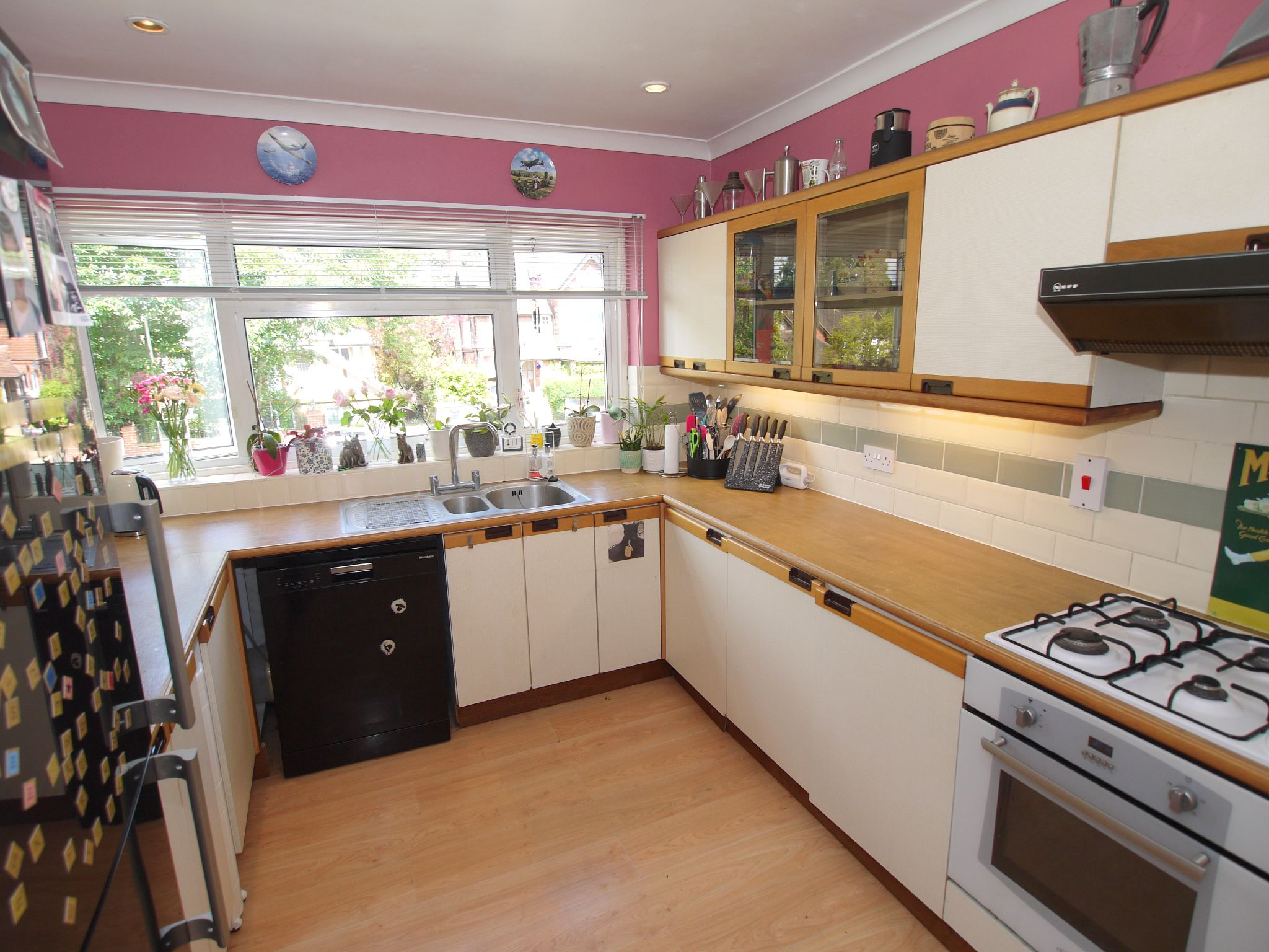 3 bedroom mid terraced house Sale Agreed in Sevenoaks - Photograph 5