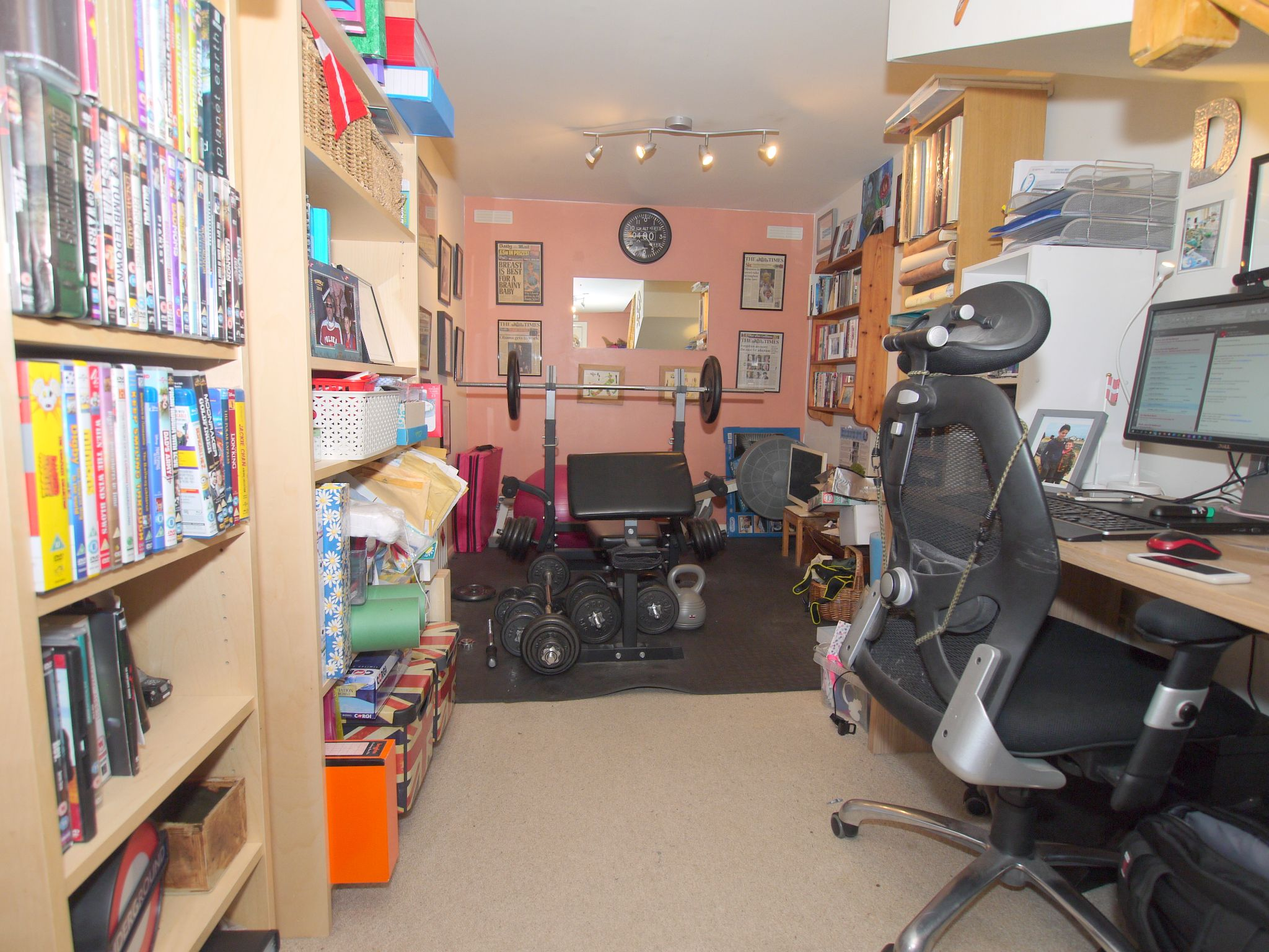3 bedroom mid terraced house Sale Agreed in Sevenoaks - Photograph 6