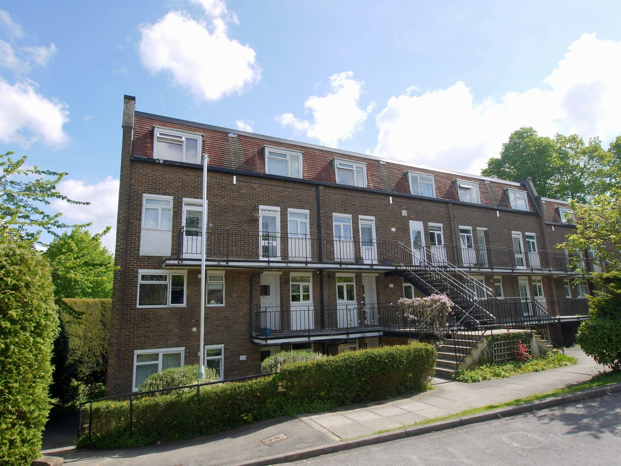 2 bedroom apartment flat/apartment Sale Agreed in Sevenoaks - Photograph 1