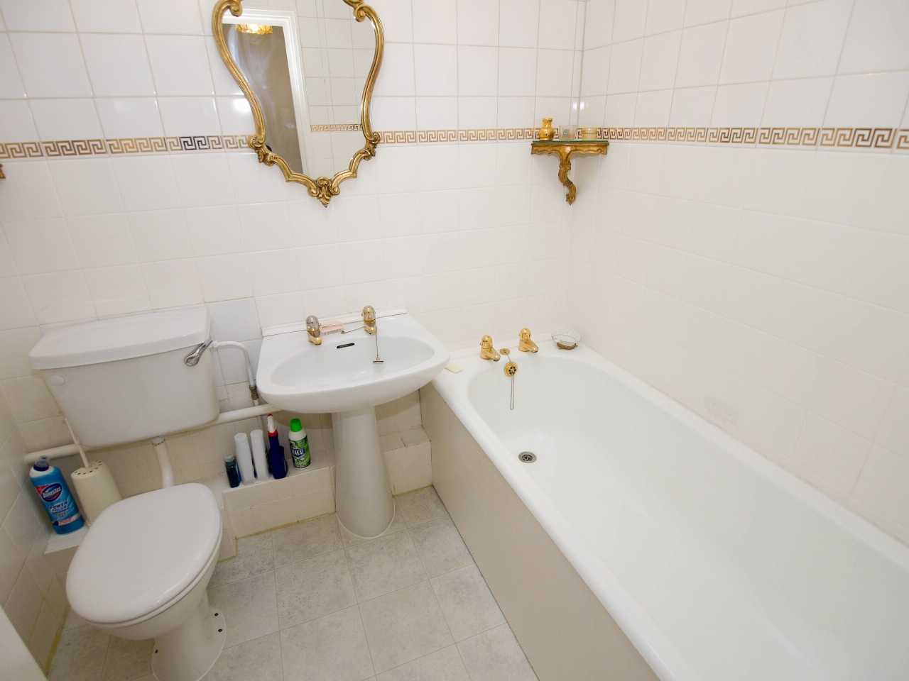 2 bedroom apartment flat/apartment Sale Agreed in Sevenoaks - Photograph 7