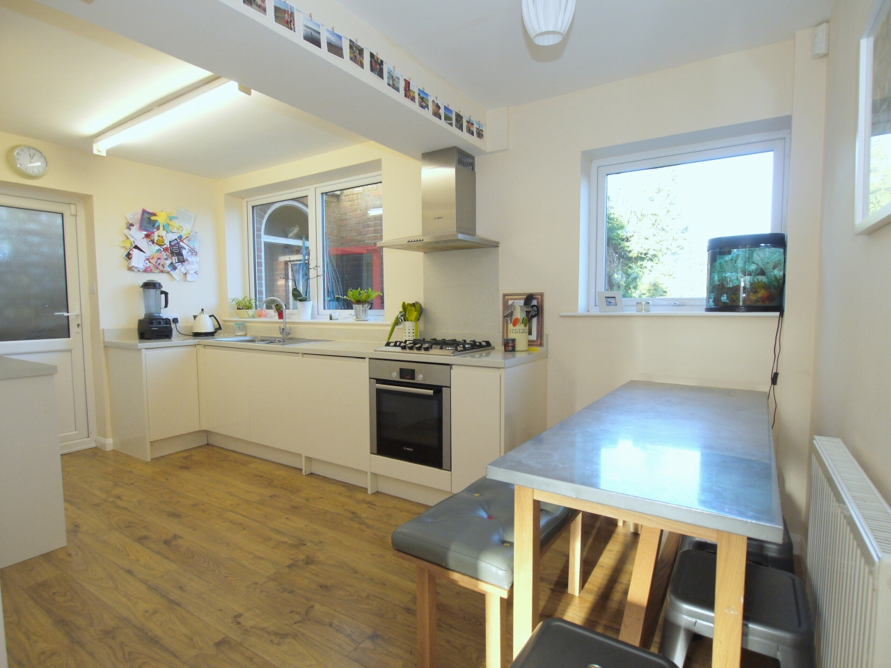 3 bedroom semi-detached house For Sale in Sevenoaks - Property photograph