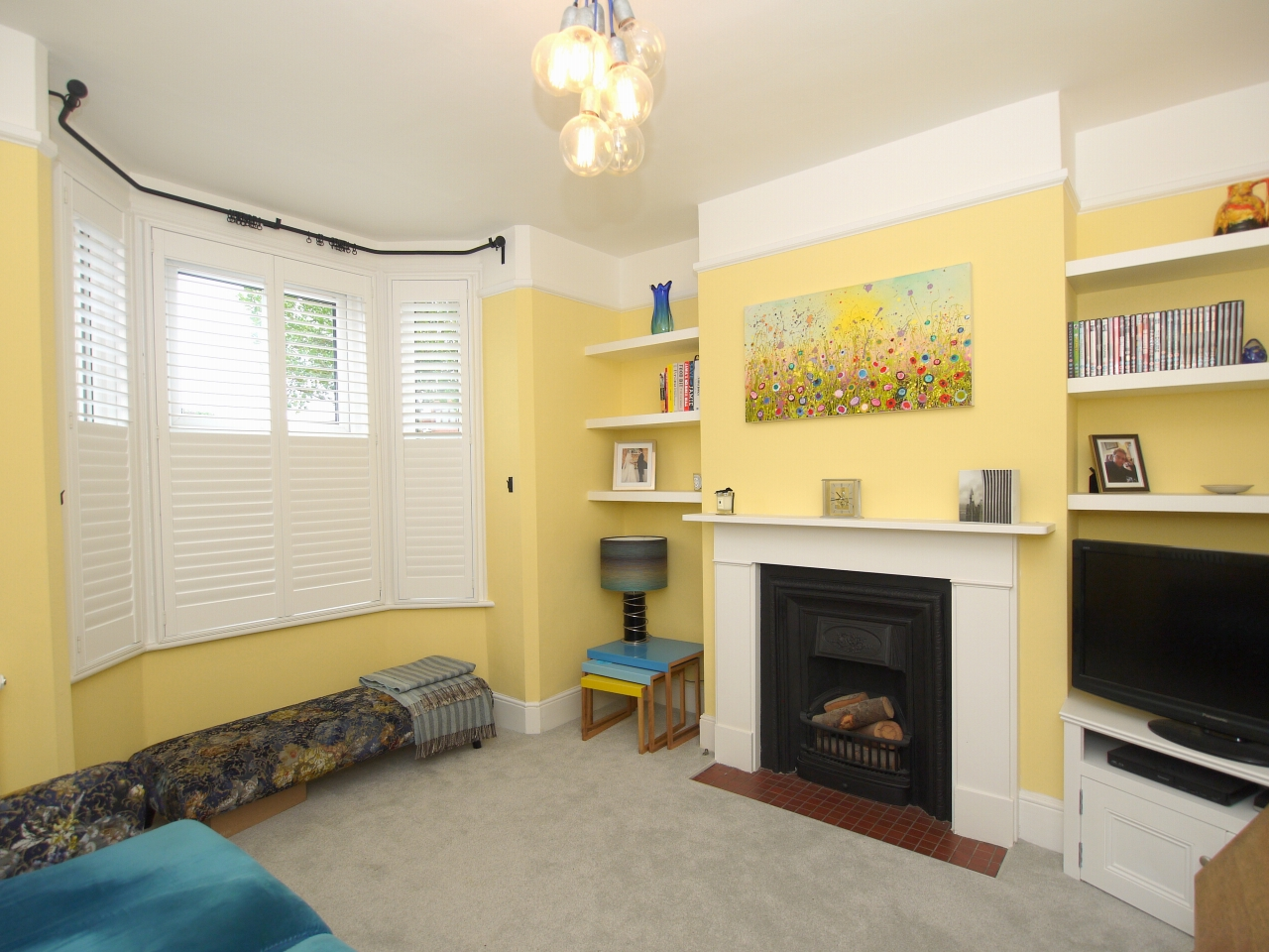 2 bedroom mid terraced house For Sale in Sevenoaks - Photograph 4