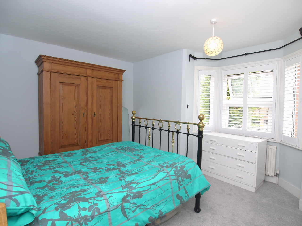 2 bedroom mid terraced house For Sale in Sevenoaks - Photograph 6