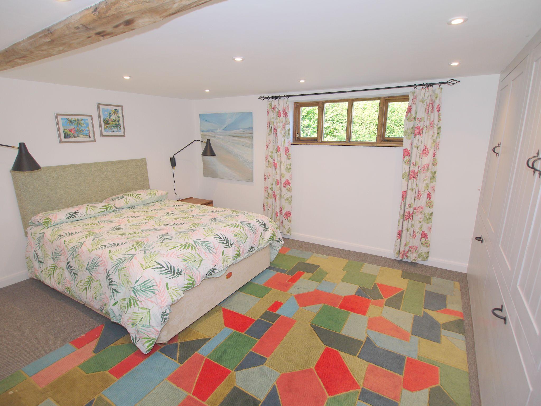4 bedroom detached house Let Agreed in Edenbridge - Photograph 7