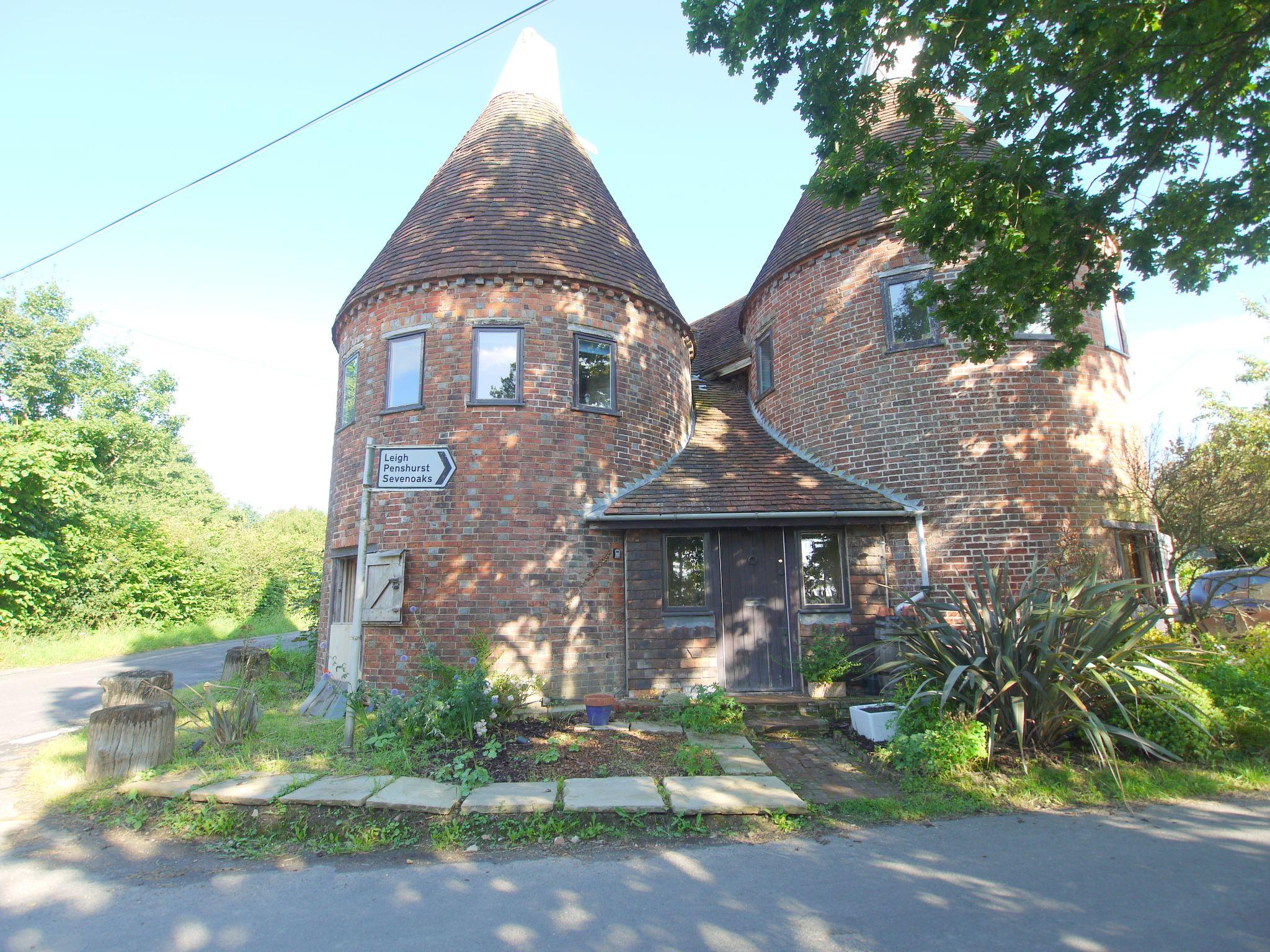 4 bedroom detached house Let Agreed in Edenbridge - Photograph 14