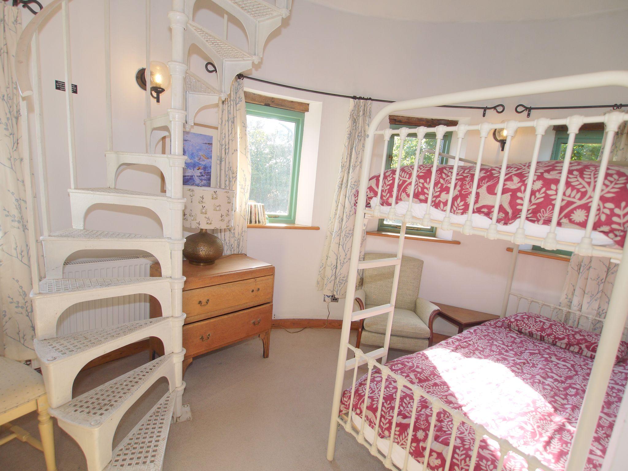 4 bedroom detached house Let Agreed in Edenbridge - Photograph 10
