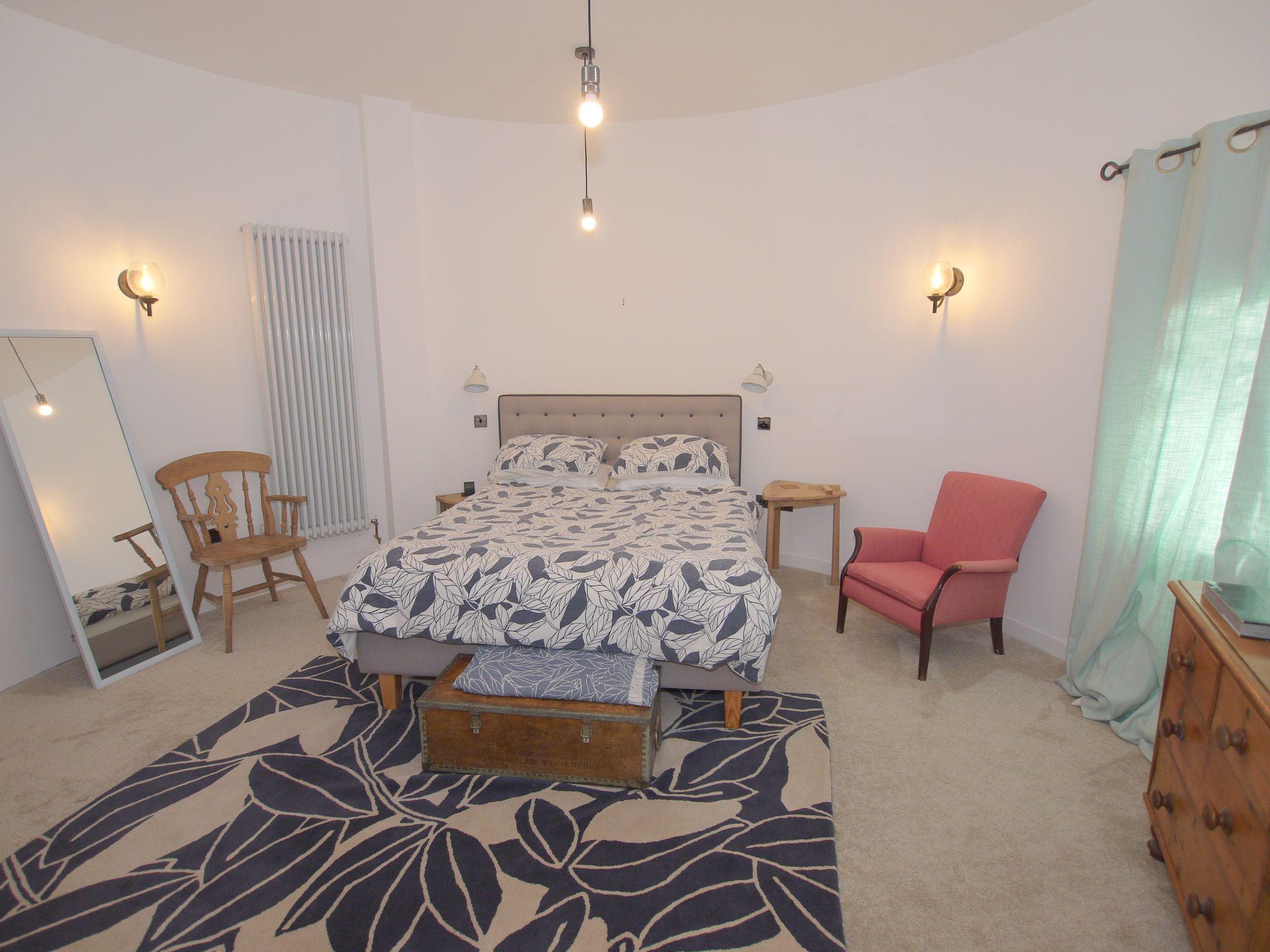4 bedroom detached house Let Agreed in Edenbridge - Photograph 5