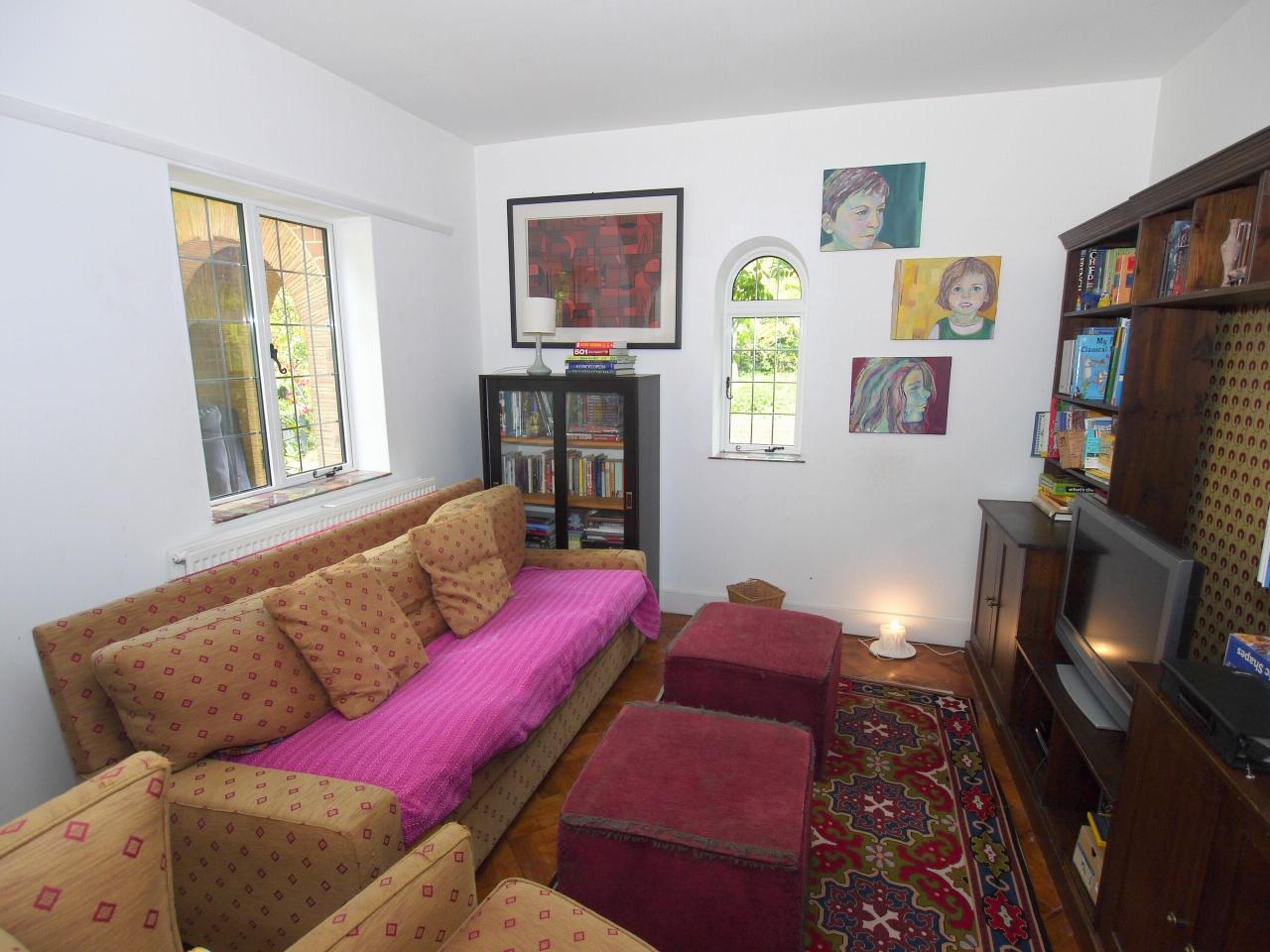 6 bedroom detached house Sold in Sevenoaks - Photograph 3