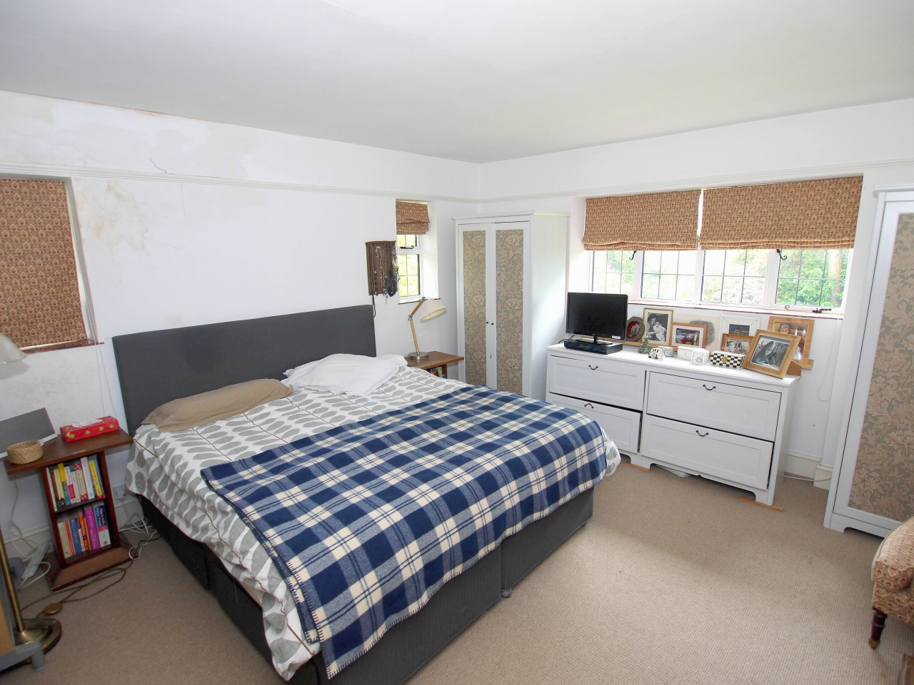 6 bedroom detached house Sold in Sevenoaks - Photograph 8