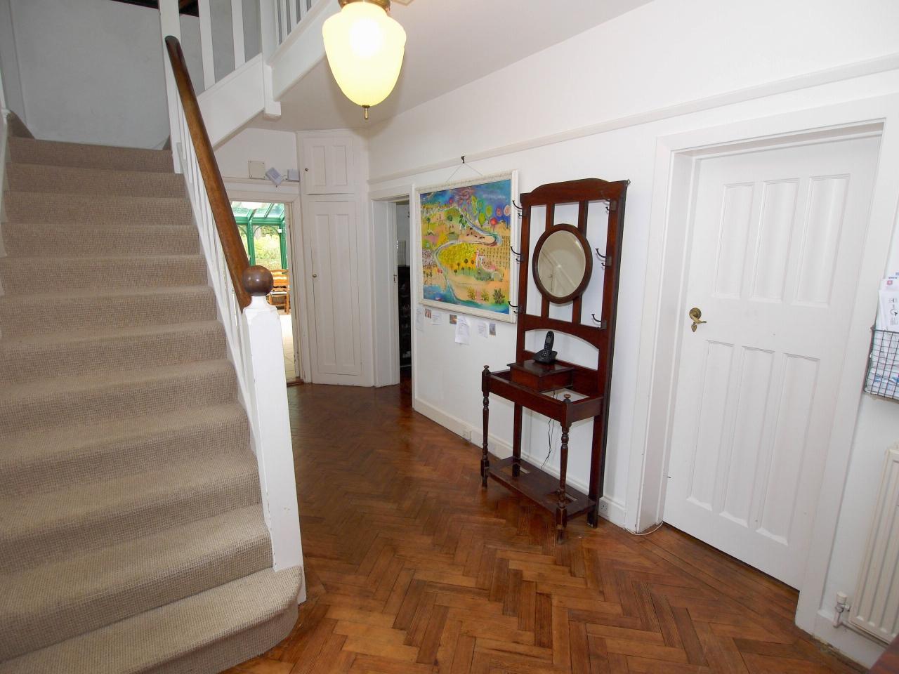 6 bedroom detached house Sold in Sevenoaks - Photograph 6