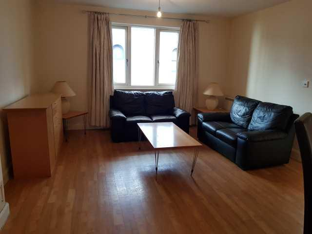 1 Bed Apartment Flat/apartment To Rent - Photograph 3