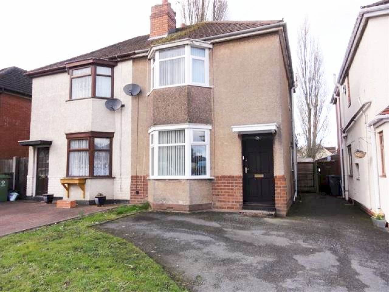 3 Bedroom Semi-detached House To Rent - Photograph 1