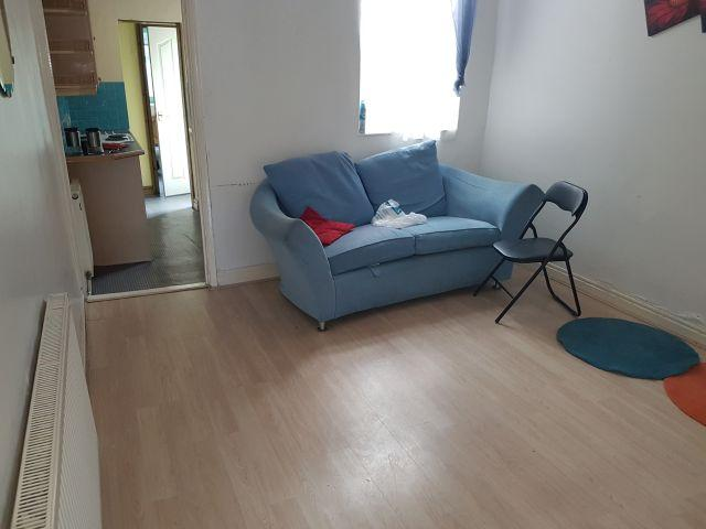 3 Bed Mid Terraced House To Rent - Rear Reception Room