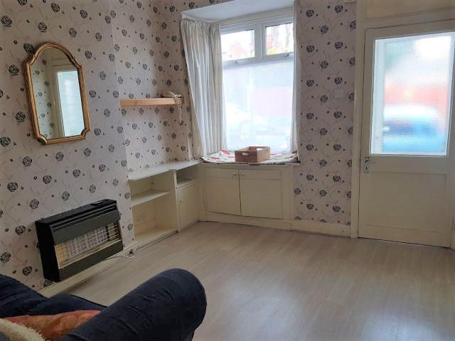 3 Bed Mid Terraced House To Rent - Front Reception Room