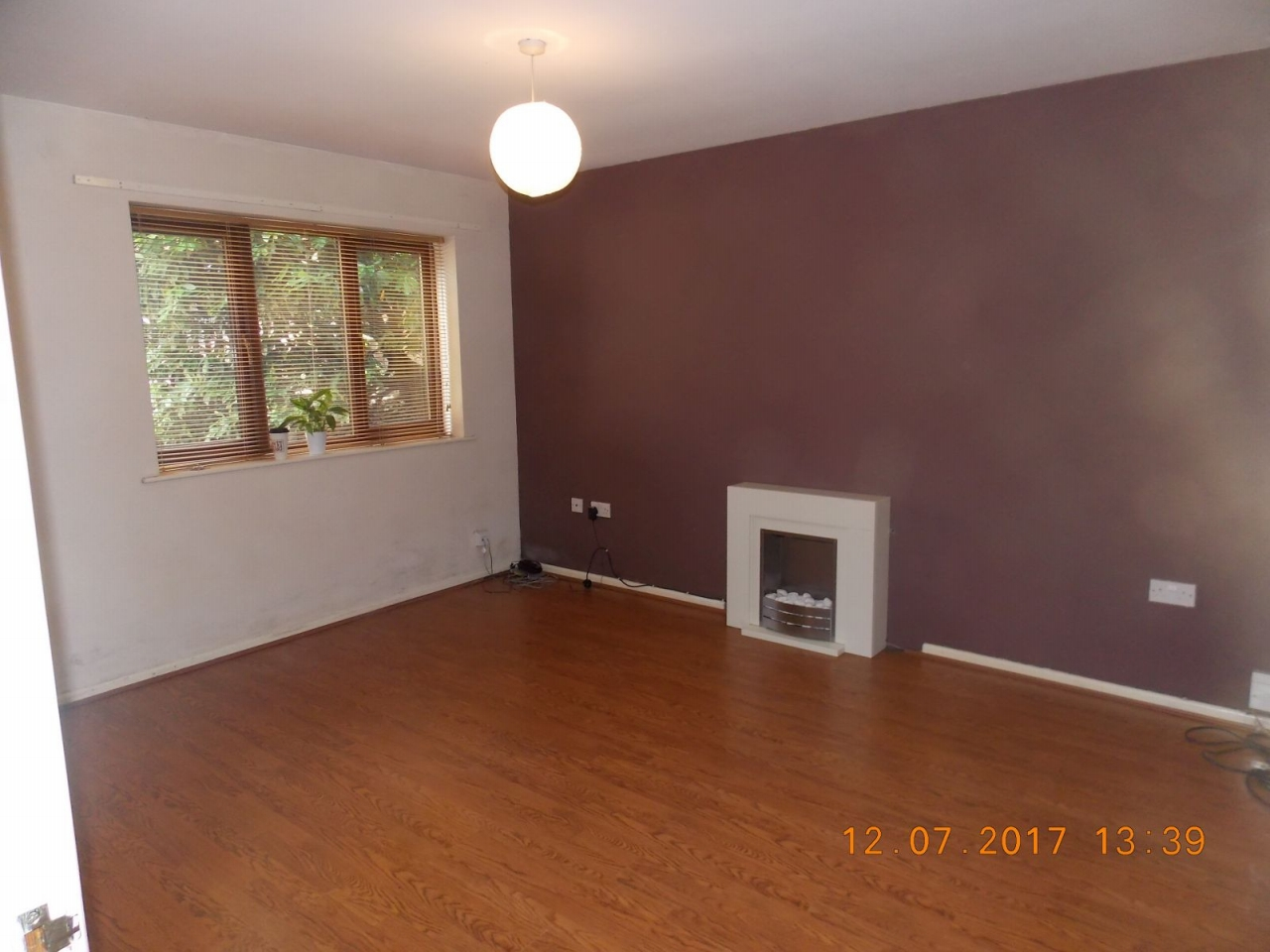 2 Bed Ground Floor Flat/apartment For Sale - Photograph 3