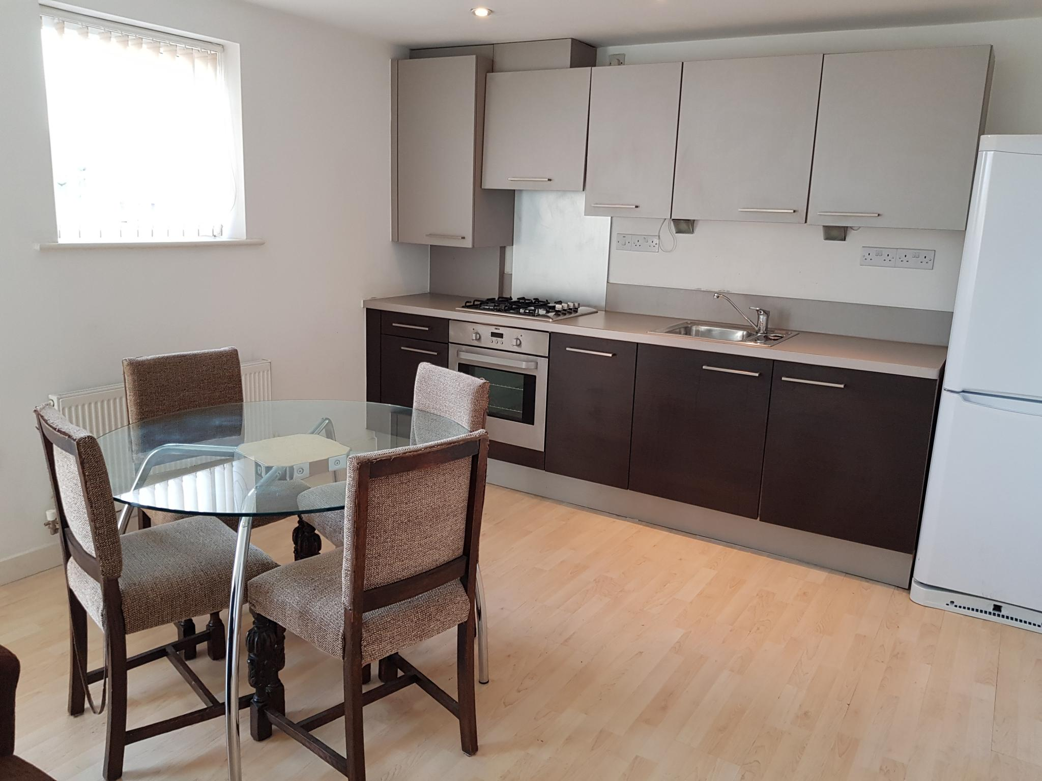 2 Bedroom Apartment Flat/apartment To Rent - Open Plan Living / Kitchen
