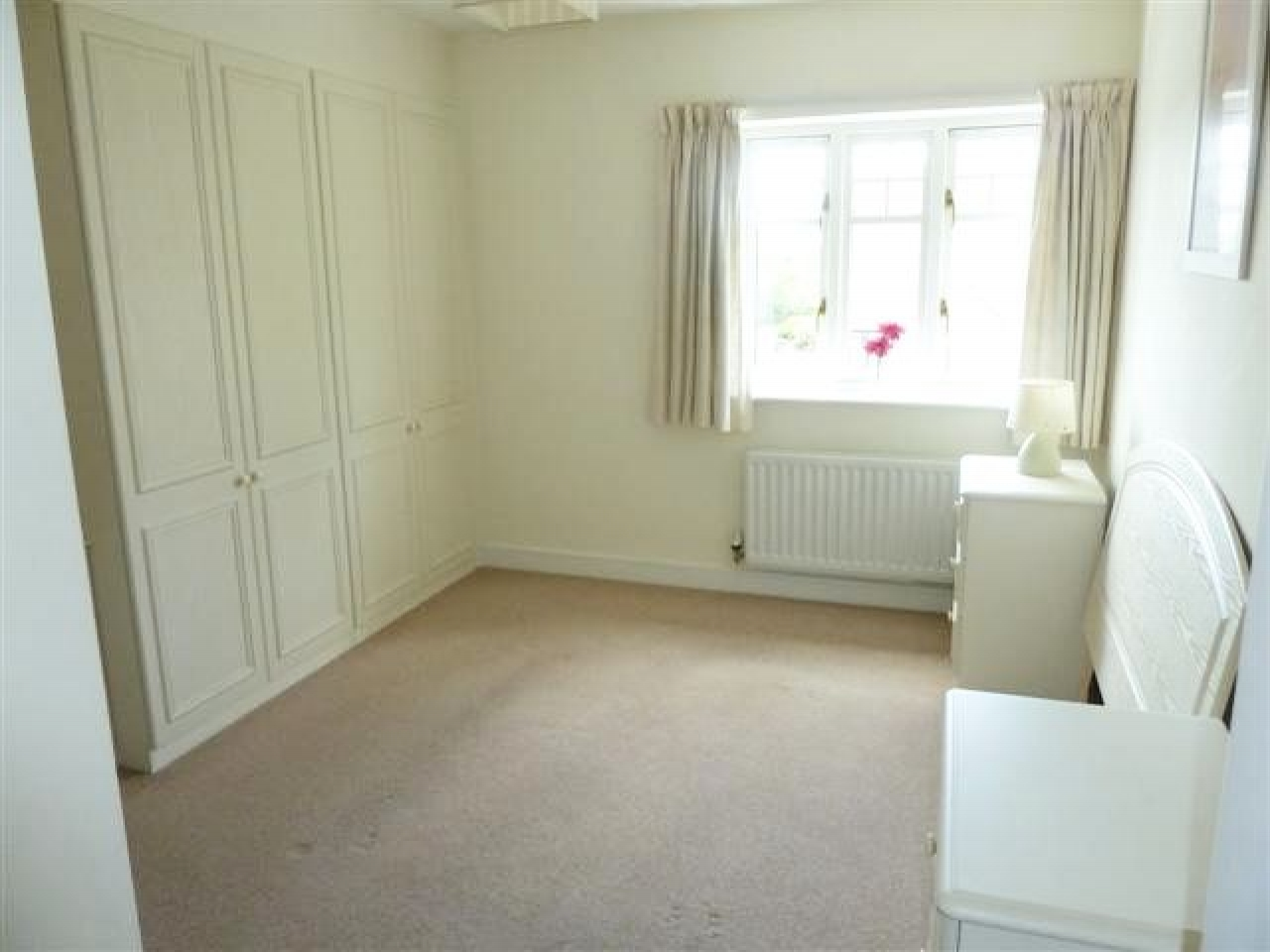 2 Bedroom Apartment Flat/apartment To Rent - Photograph 4