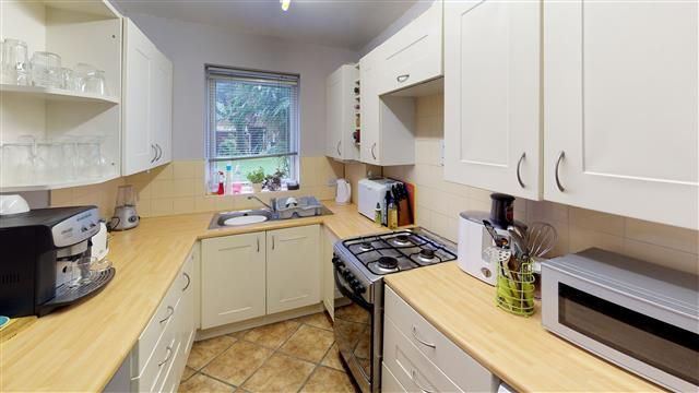 1 Bed Ground Floor Flat/apartment To Rent - Photograph 3