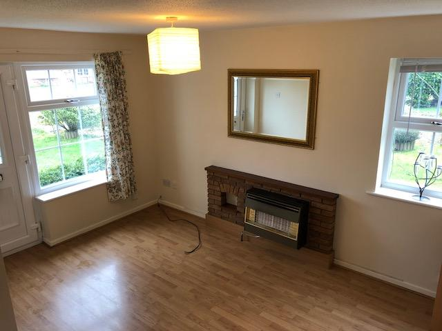 1 Bed Semi-detached House For Sale - Photograph 3