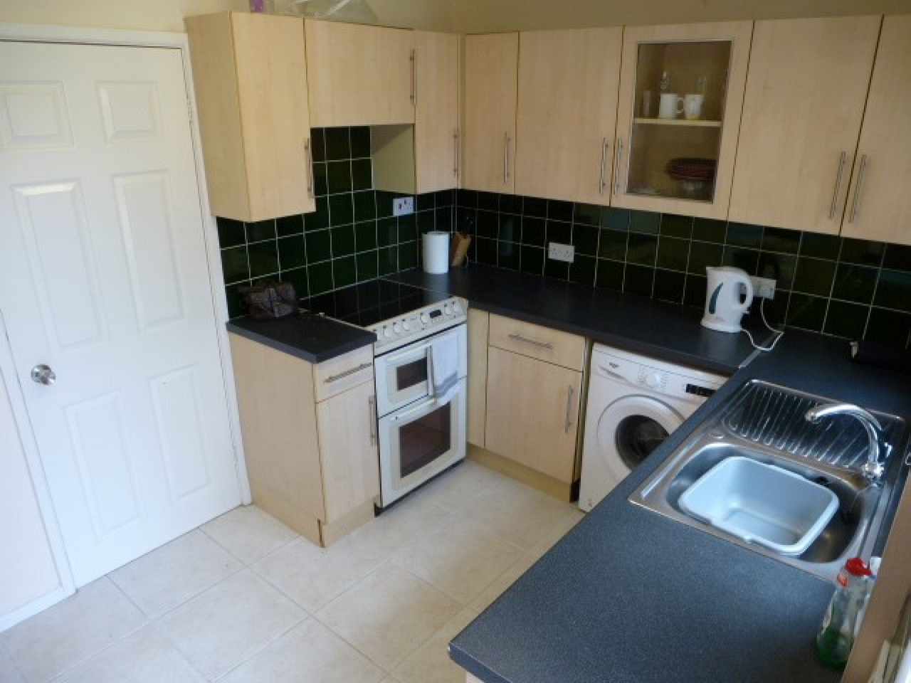 2 Bedroom Semi-detached House For Sale - Photograph 4