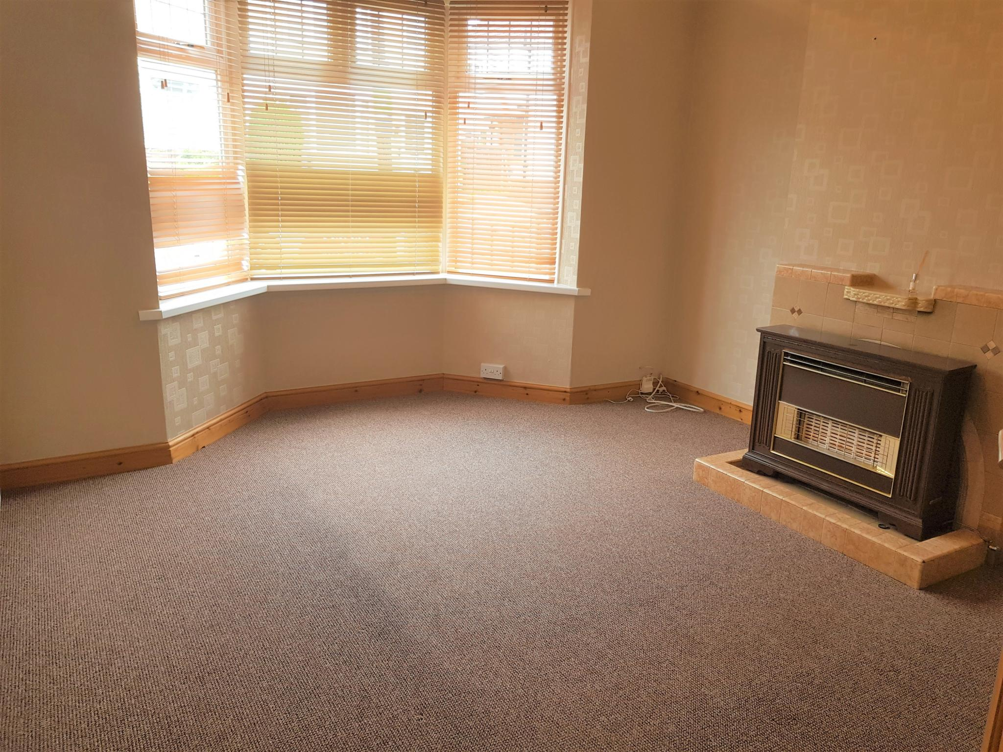3 Bed Semi-detached House To Rent - Front Reception Room