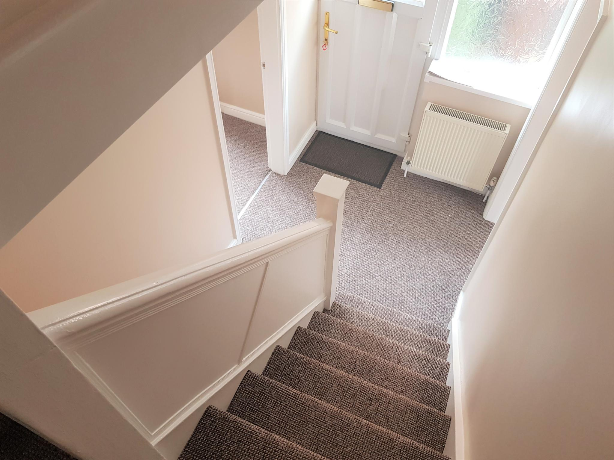 3 Bed Semi-detached House To Rent - Entrance Hall